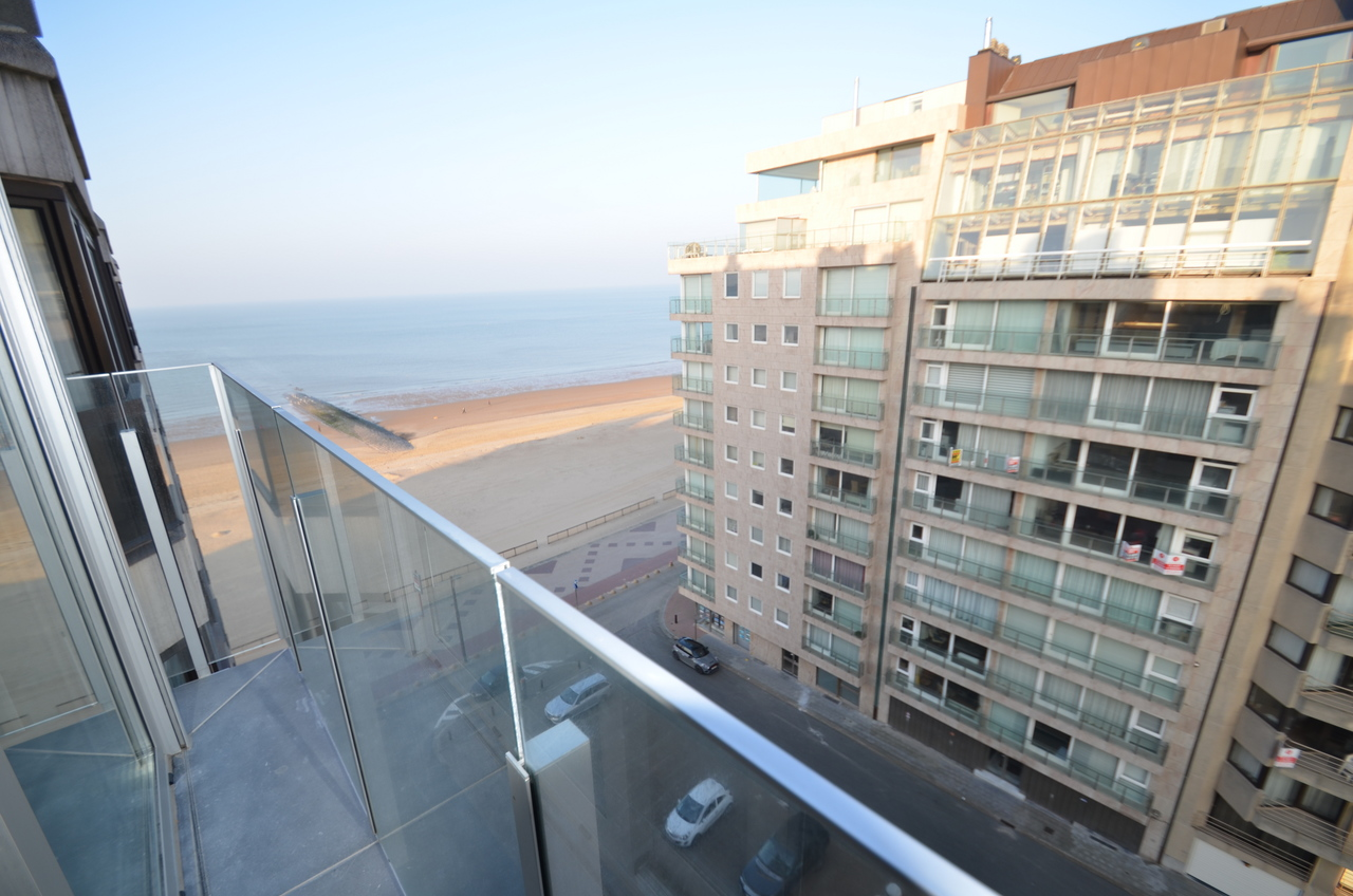 2 bedroom apartement with lateral sea view!